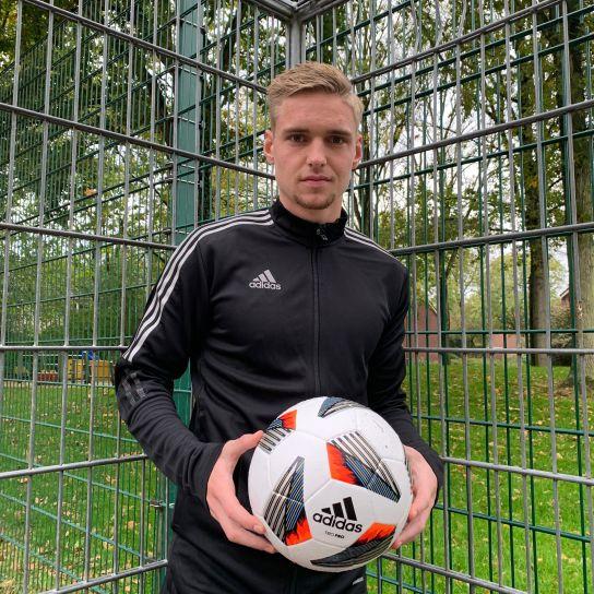 Voetbalshop sprak met de talentvolle AFC Ajax middenvelder Kenneth Taylor!